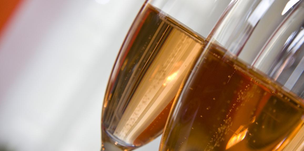 Lo champagne sostenibile grazie al packaging realizzato riciclando le bucce degli acini